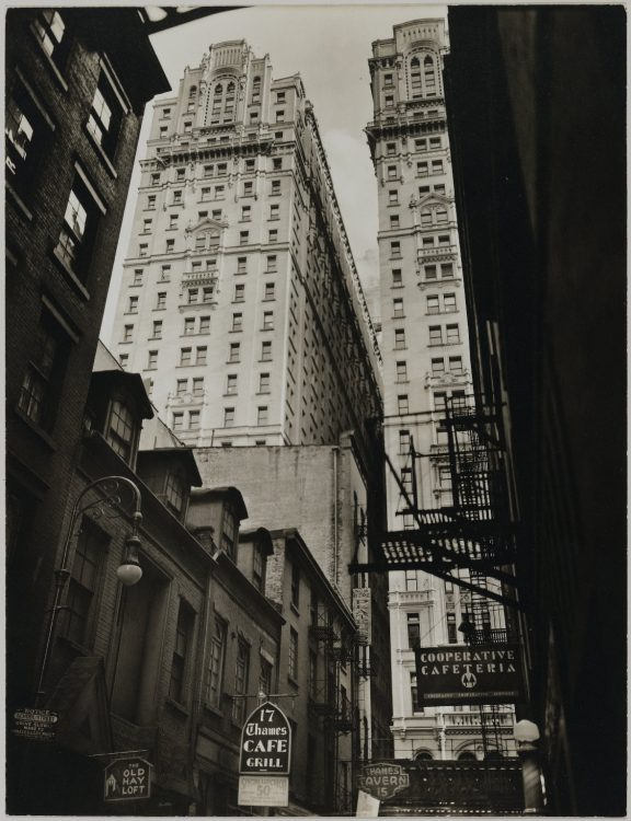 Berenice Abbott — AWARE Women artists / Femmes artistes