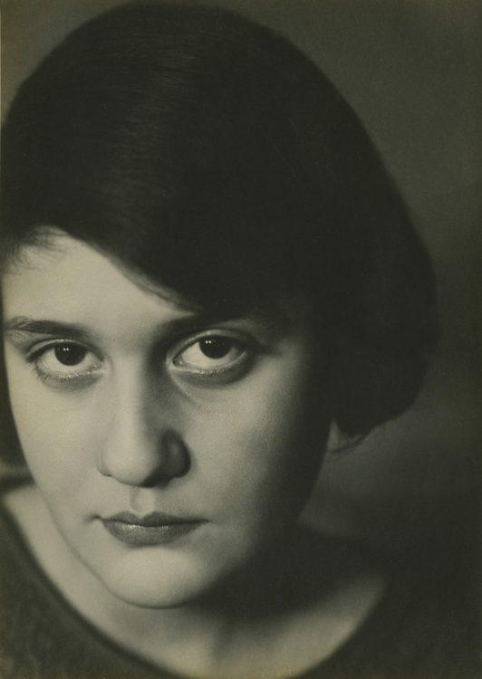 Aenne Biermann — AWARE Women artists / Femmes artistes