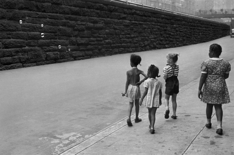 Helen Levitt — AWARE Women artists / Femmes artistes