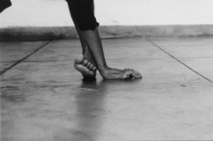 Helena Almeida. Corpus - AWARE Artistes femmes / women artists