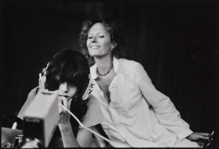 Musas insumisas, Delphine Seyrig y los colectivos de vídeo feminista en Francia en los 70 y 80 - AWARE