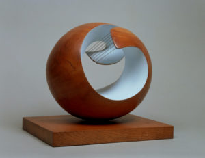 Natural Forms: The Sculpture of Barbara Hepworth - AWARE Artistes femmes / women artists