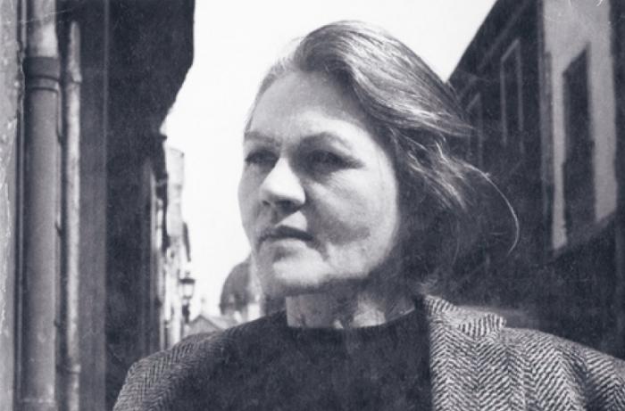 Mária  Modok - AWARE