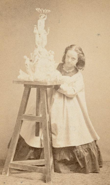 Hélène Bertaux - AWARE