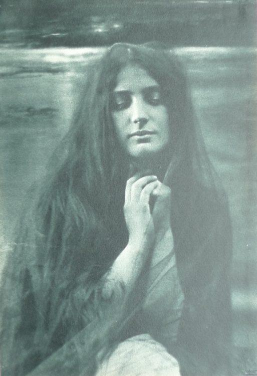 Céline Gracieuse  Laguarde — AWARE Women artists / Femmes artistes